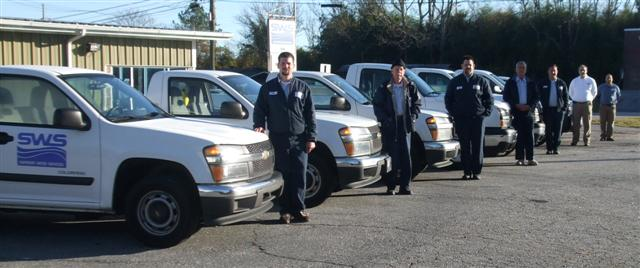 Fleet_with_Service_Technicians_Small